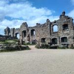 Mystische Ruinen einer alten Burg- und Klosteranlage in Oybin (Sachsen)